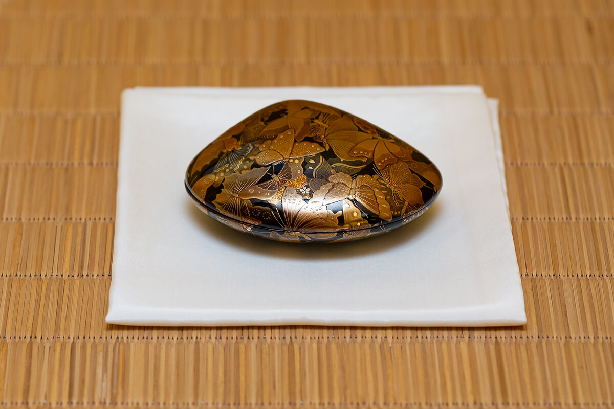 香合 蛤型 蝶文蒔絵